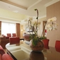 Hotels set aside floors for women (USA TODAY)